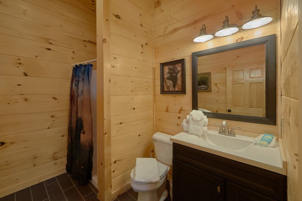 Photo of a Pigeon Forge Cabin named Alpine Pool Lodge - This is the eighteenth photo in the set.