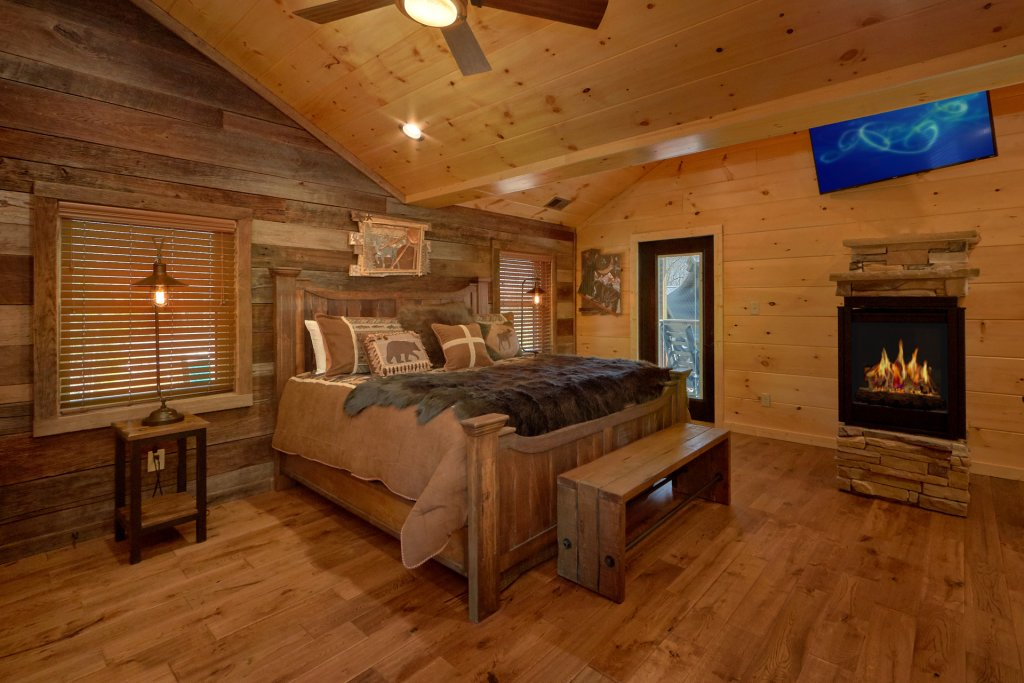 Photo of a Gatlinburg Cabin named Copper Creek Lodge - This is the forty-first photo in the set.
