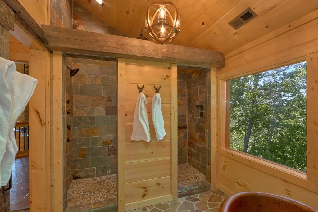Photo of a Gatlinburg Cabin named Copper Creek Lodge - This is the thirty-second photo in the set.