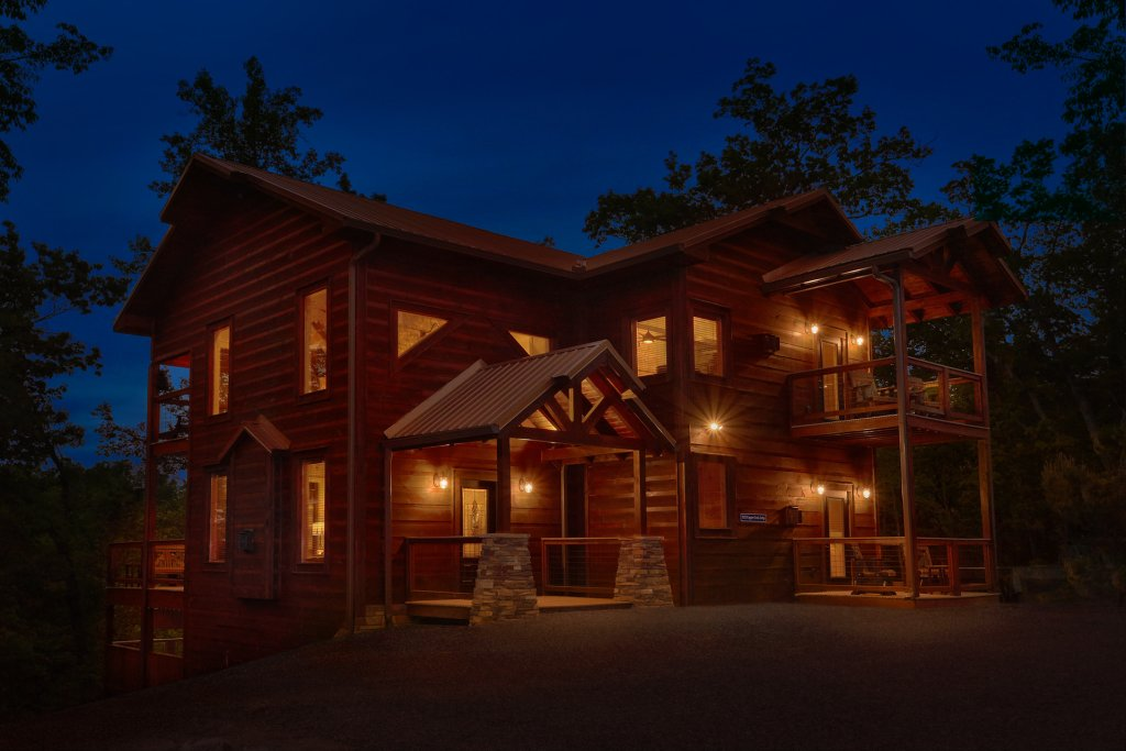 Photo of a Gatlinburg Cabin named Copper Creek Lodge - This is the forty-ninth photo in the set.