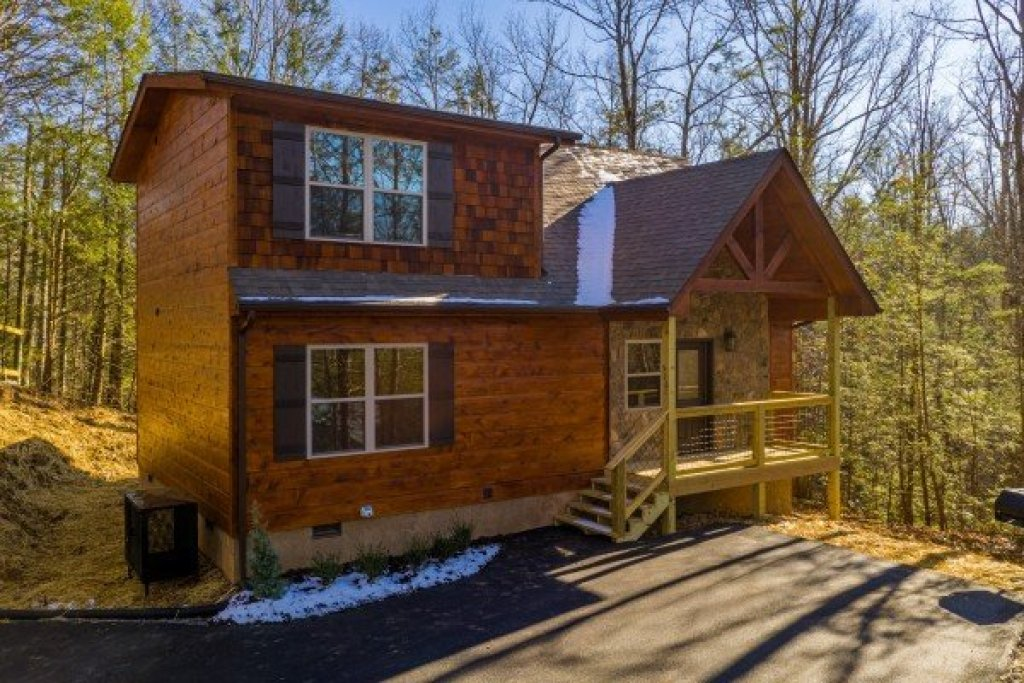 Photo of a Gatlinburg Cabin named Bessy Bears Cabin - This is the second photo in the set.