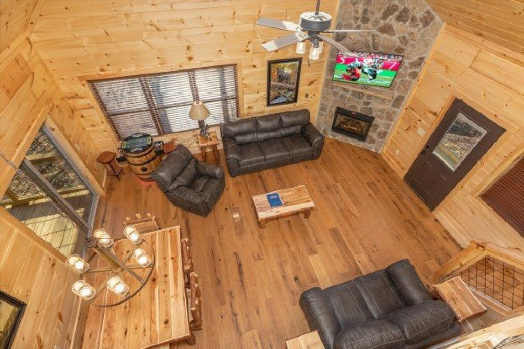 Photo of a Gatlinburg Cabin named Bessy Bears Cabin - This is the twelfth photo in the set.