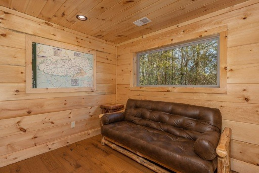 Photo of a Gatlinburg Cabin named Bessy Bears Cabin - This is the thirteenth photo in the set.