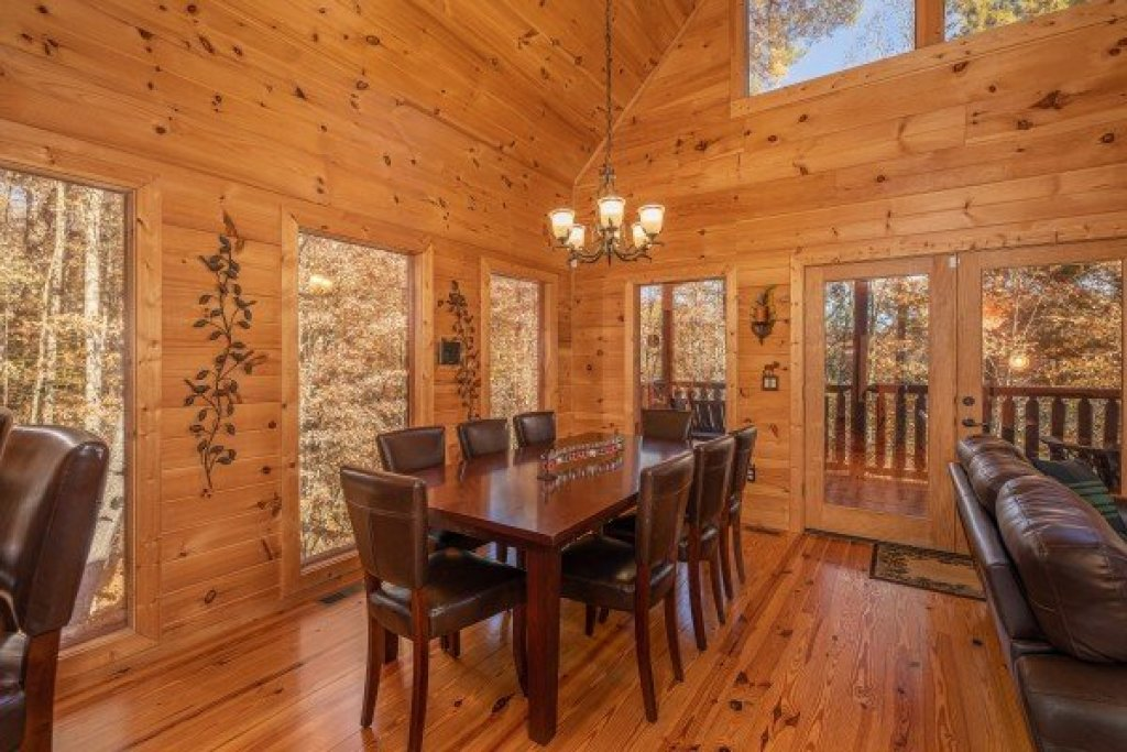 Photo of a Sevierville Cabin named All Hours - This is the fifth photo in the set.