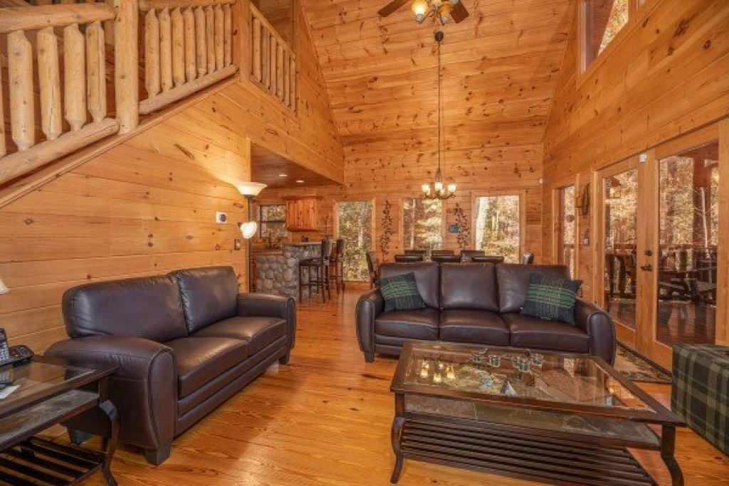 Photo of a Sevierville Cabin named All Hours - This is the fourth photo in the set.