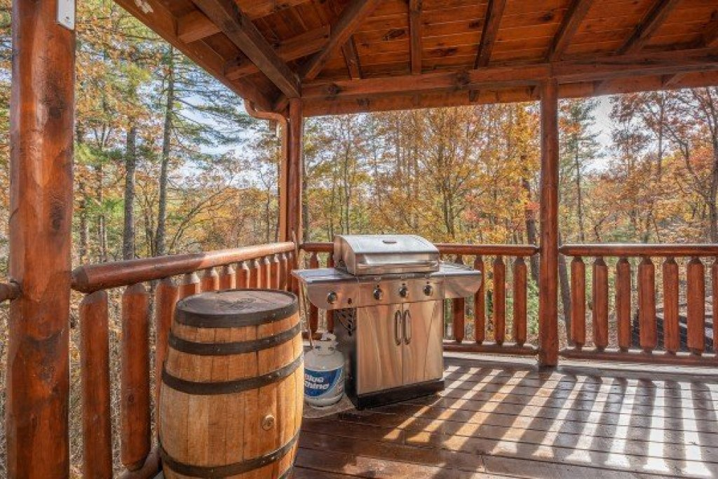 Photo of a Sevierville Cabin named All Hours - This is the eighth photo in the set.