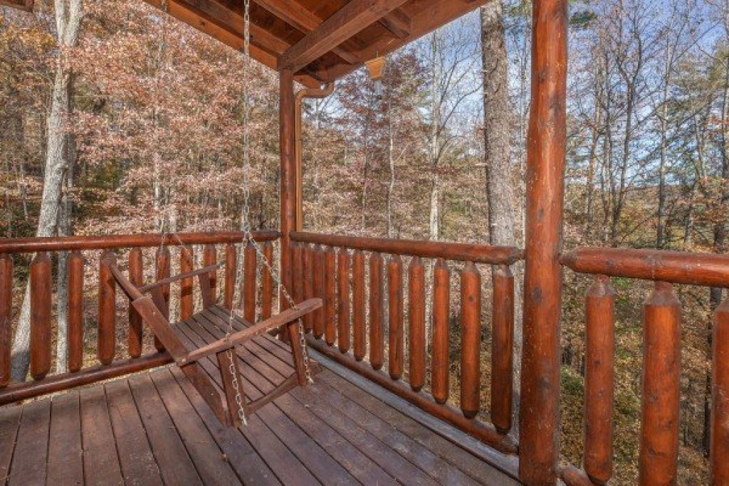 Photo of a Sevierville Cabin named All Hours - This is the twenty-second photo in the set.