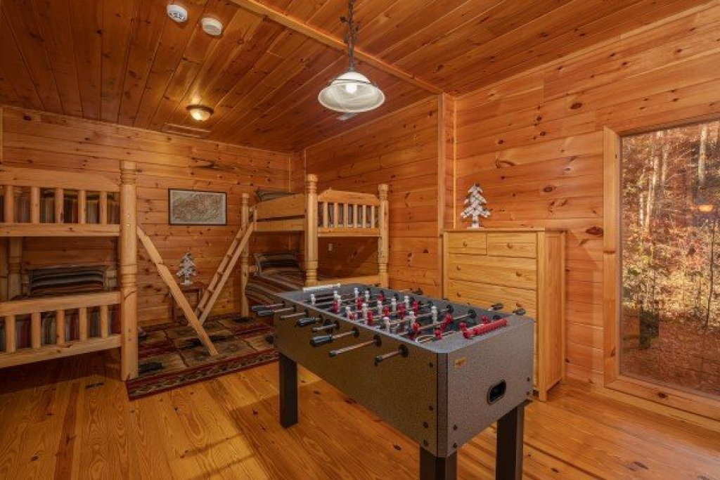 Photo of a Sevierville Cabin named All Hours - This is the seventeenth photo in the set.