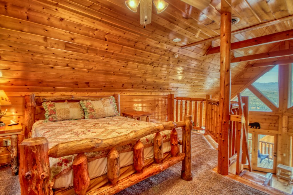 Photo of a Pigeon Forge Cabin named Tennessee Treasure #232 - This is the sixteenth photo in the set.