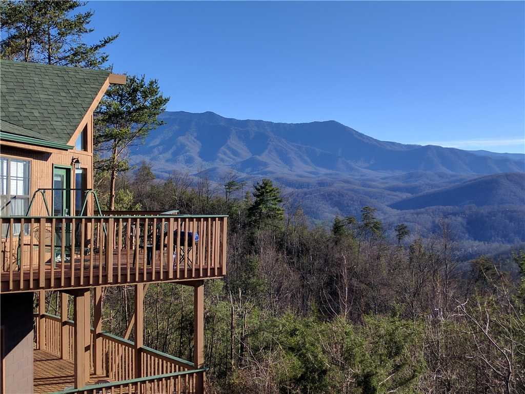 Photo of a Gatlinburg Cabin named Bear Crossing - This is the twenty-fourth photo in the set.