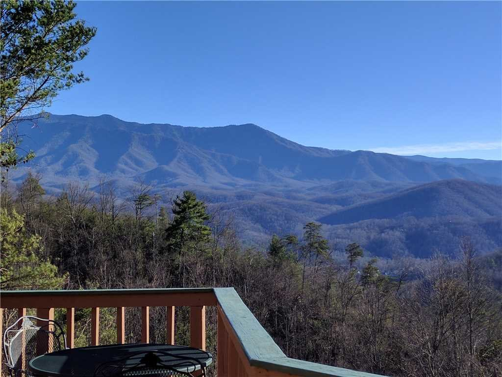 Photo of a Gatlinburg Cabin named Bear Crossing - This is the twenty-eighth photo in the set.