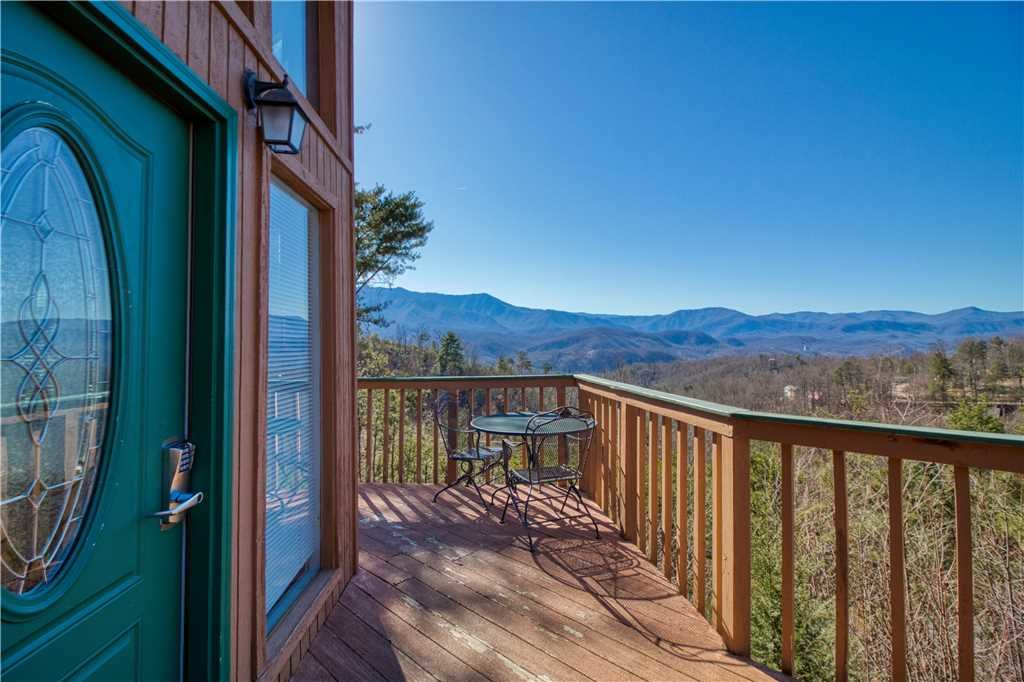 Photo of a Gatlinburg Cabin named Bear Crossing - This is the twenty-second photo in the set.