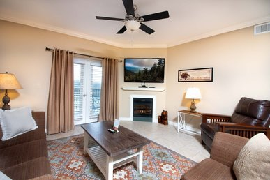 2 Walk-in Showers, Sleeps 8, Virtual Arrival/departure, Superb Cleaning