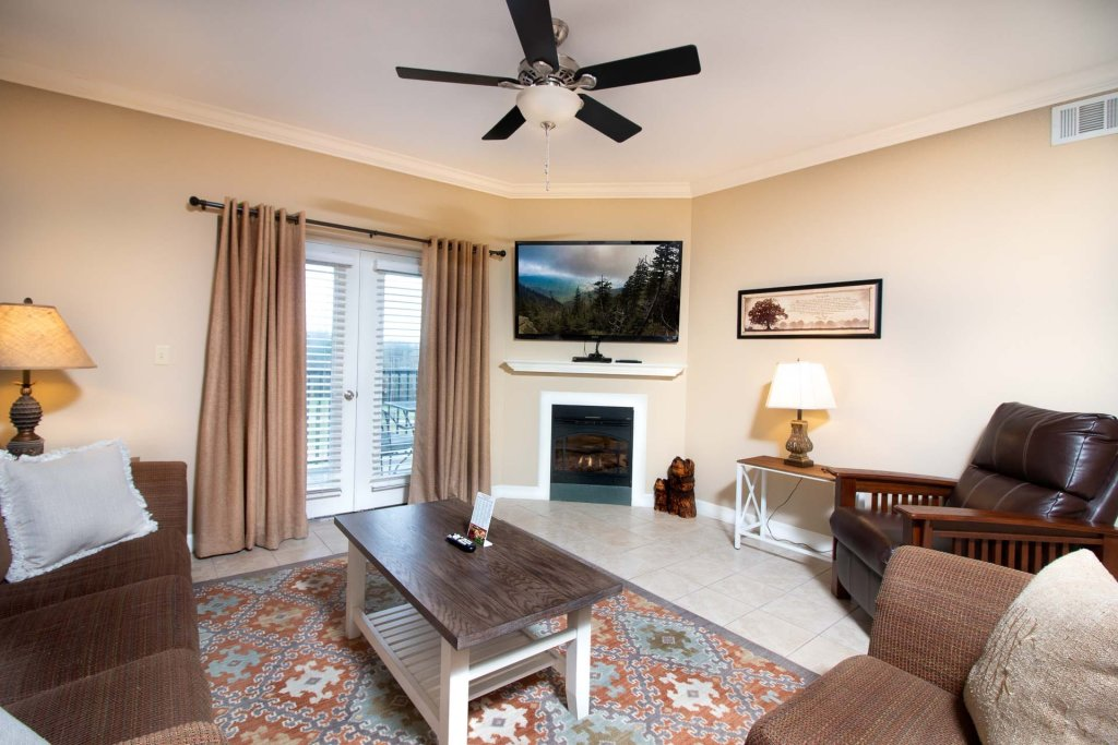 Photo of a Pigeon Forge Condo named Mountain View Resort 3307 3 Bd/2ba Pigeon Forge Condo - This is the first photo in the set.