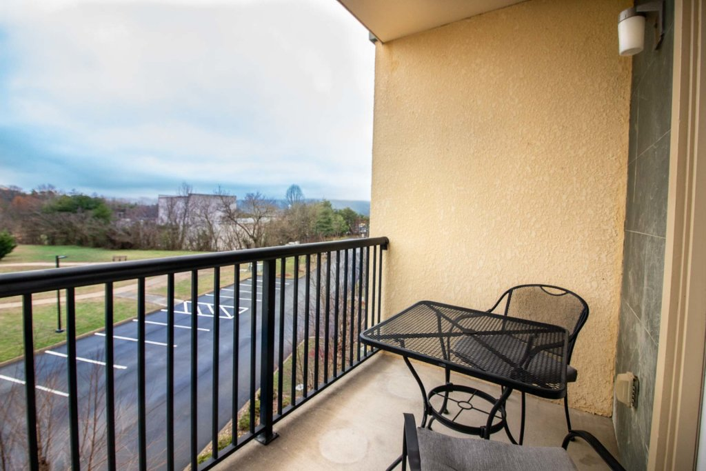 Photo of a Pigeon Forge Condo named Mountain View Resort 3307 3 Bd/2ba Pigeon Forge Condo - This is the eighteenth photo in the set.