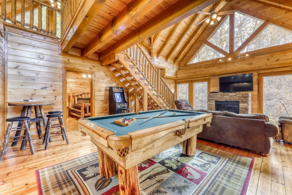 Photo of a Sevierville Cabin named Mountain Cinema Lodge - This is the second photo in the set.
