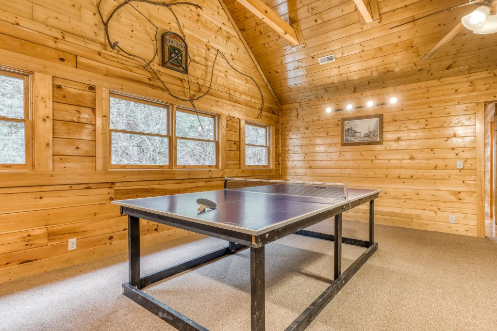 Photo of a Pigeon Forge Cabin named Creekside Lodge - This is the twelfth photo in the set.