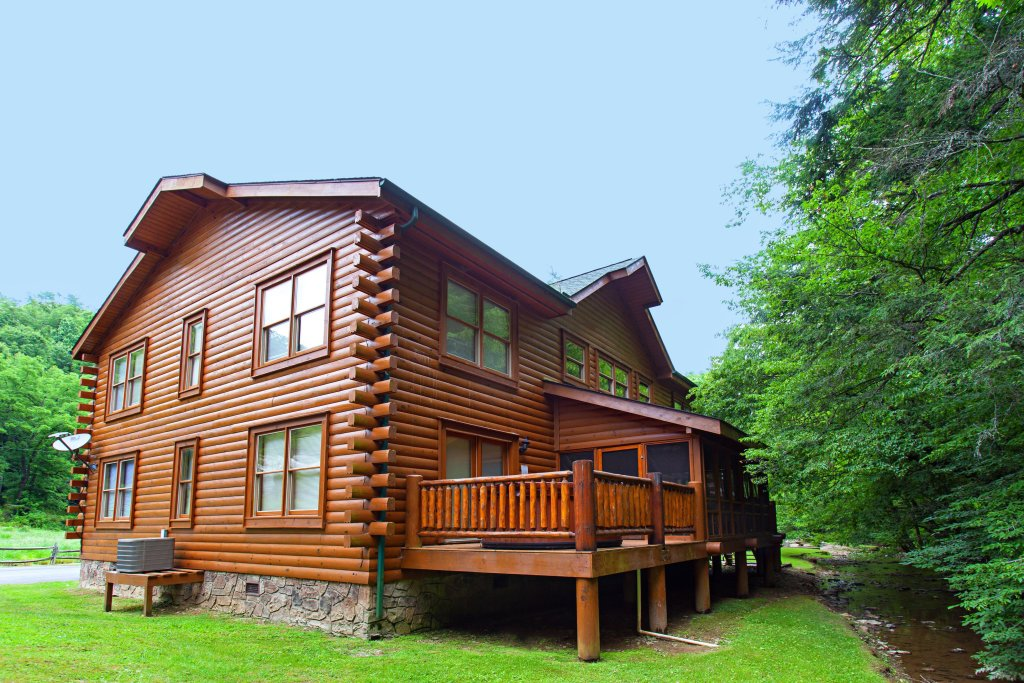 Photo of a Pigeon Forge Cabin named Creekside Lodge - This is the thirty-third photo in the set.