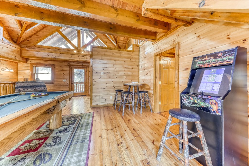 Photo of a Sevierville Cabin named Mountain Cinema Lodge - This is the tenth photo in the set.