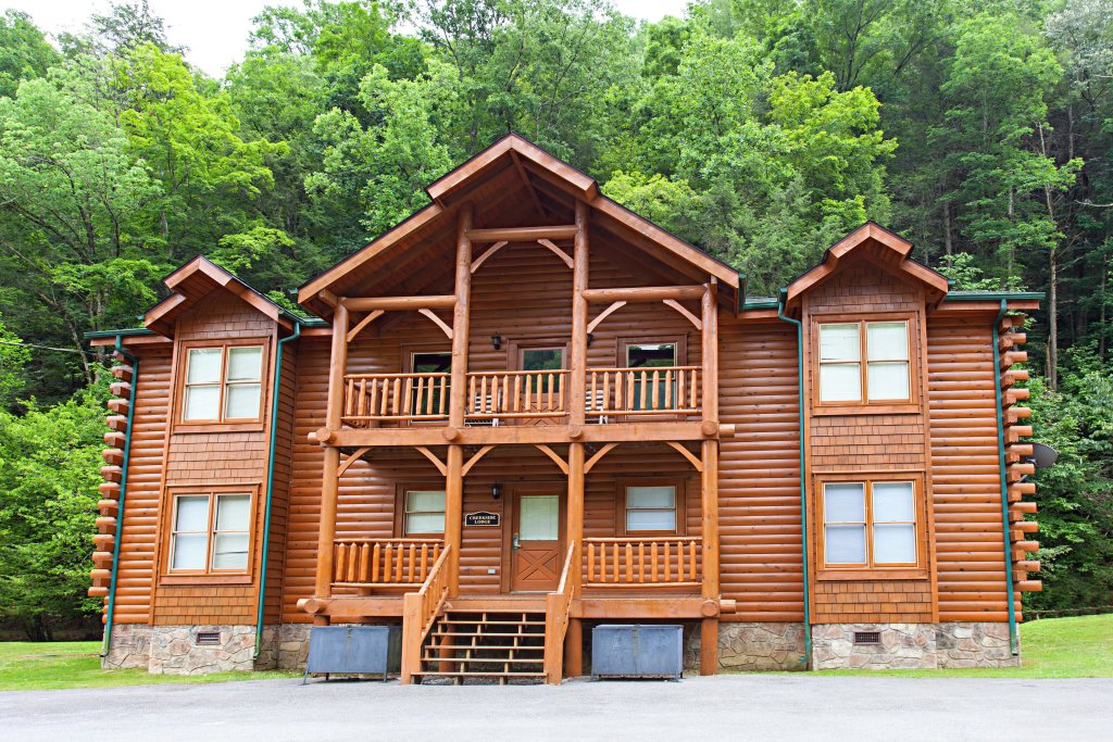 Photo of a Pigeon Forge Cabin named Creekside Lodge - This is the thirty-seventh photo in the set.
