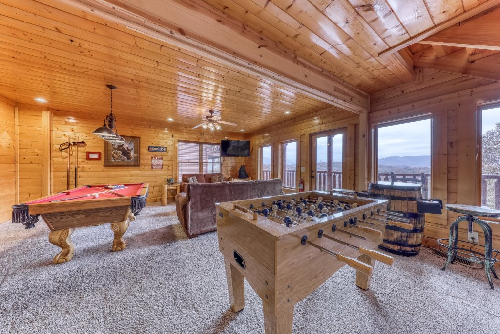 Photo of a Sevierville Cabin named Happy Place - This is the third photo in the set.