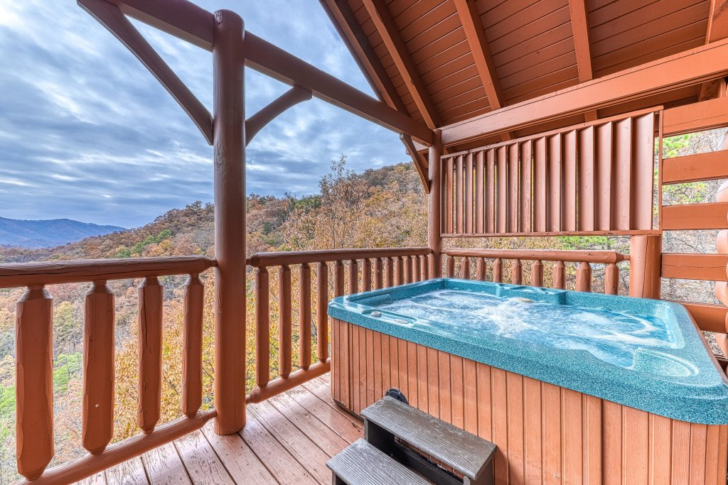 Photo of a Sevierville Cabin named Happy Place - This is the second photo in the set.