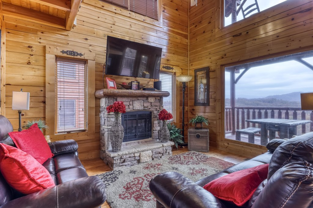 Photo of a Sevierville Cabin named Happy Place - This is the first photo in the set.