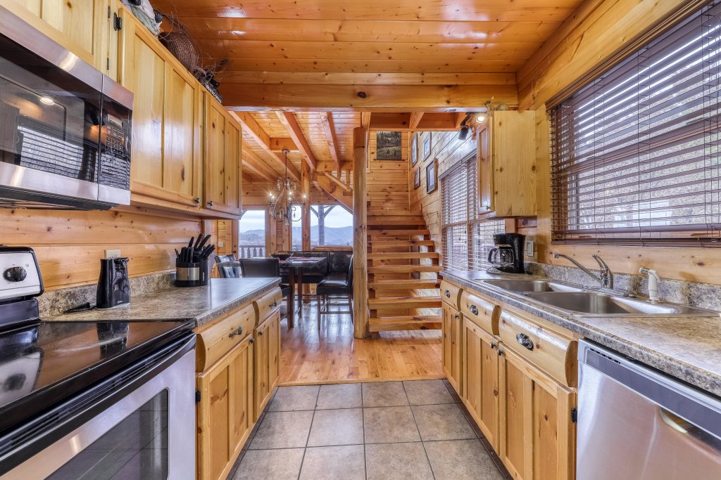 Photo of a Sevierville Cabin named Happy Place - This is the fourth photo in the set.