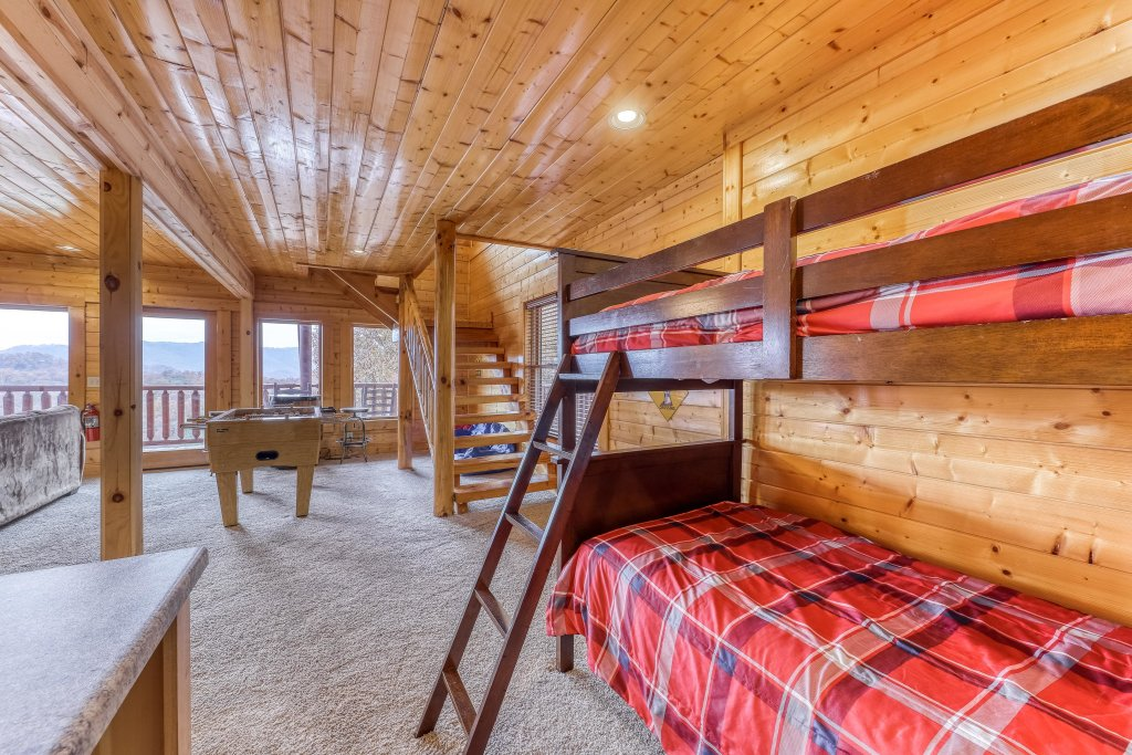 Photo of a Sevierville Cabin named Happy Place - This is the ninth photo in the set.