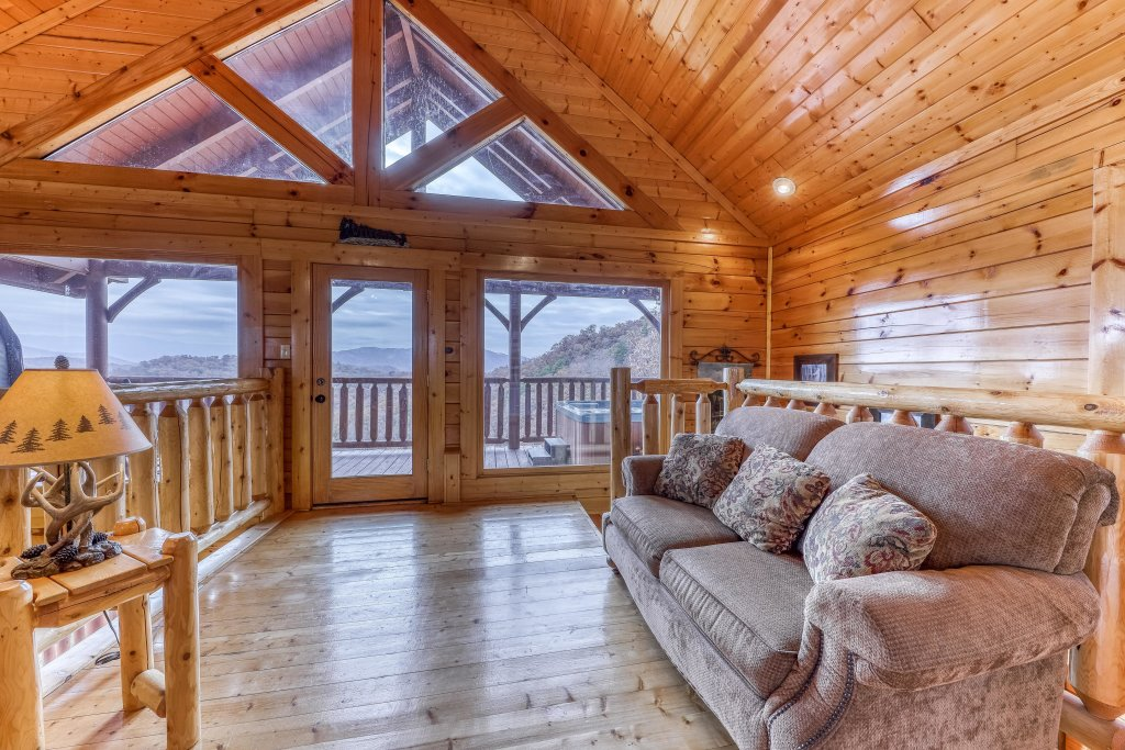 Photo of a Sevierville Cabin named Happy Place - This is the sixteenth photo in the set.