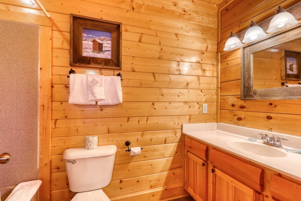 Photo of a Sevierville Cabin named Happy Place - This is the fifteenth photo in the set.