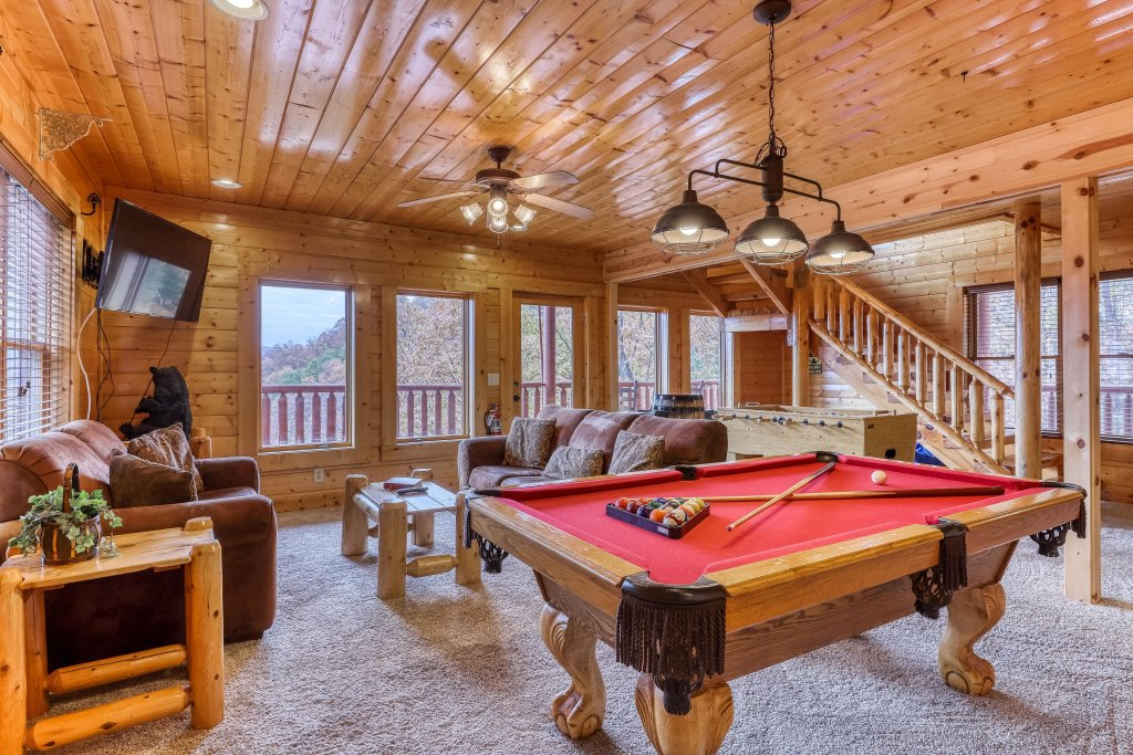 Photo of a Sevierville Cabin named Happy Place - This is the twenty-third photo in the set.