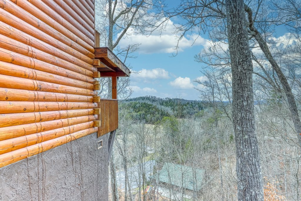 Photo of a Sevierville Cabin named Little Lake Lookout - This is the twenty-first photo in the set.