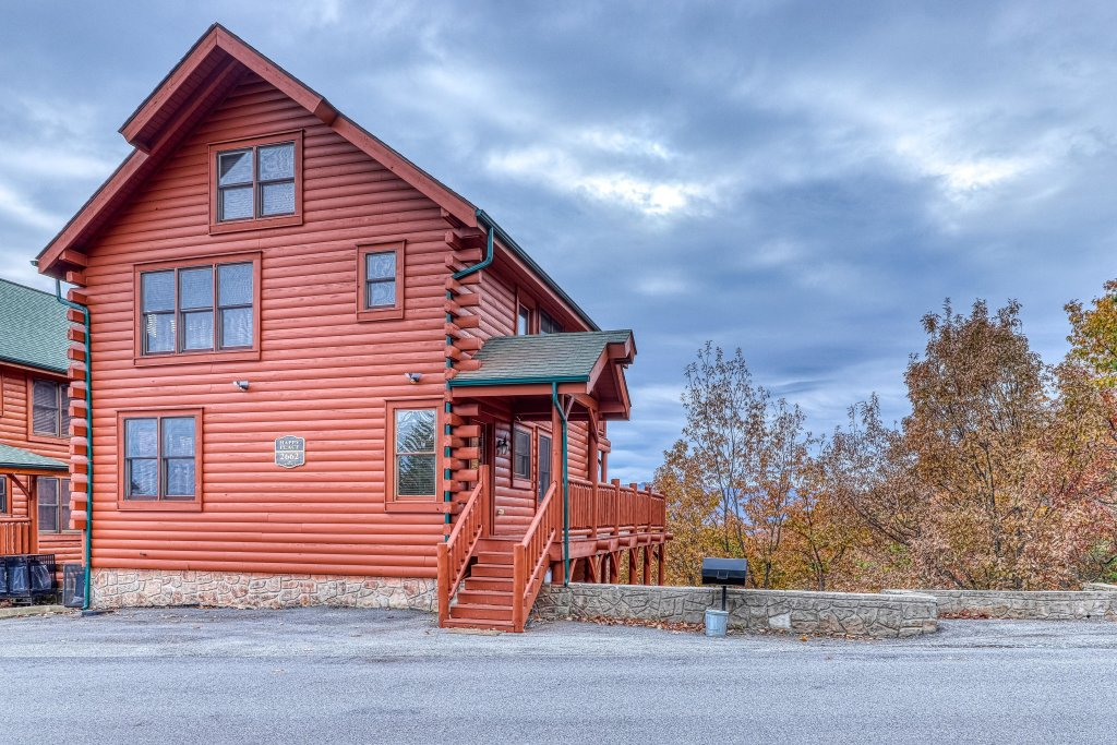 Photo of a Sevierville Cabin named Happy Place - This is the twenty-ninth photo in the set.