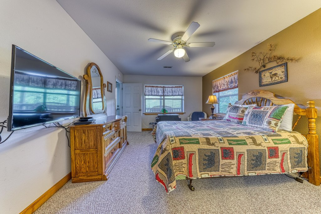 Photo of a Sevierville Cabin named Cove Mountain Retreat Cabin - This is the fortieth photo in the set.