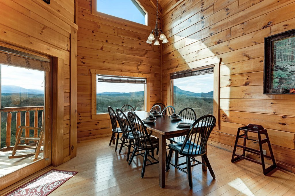 Photo of a Sevierville Cabin named Walkin' On Sunshine - This is the fifth photo in the set.