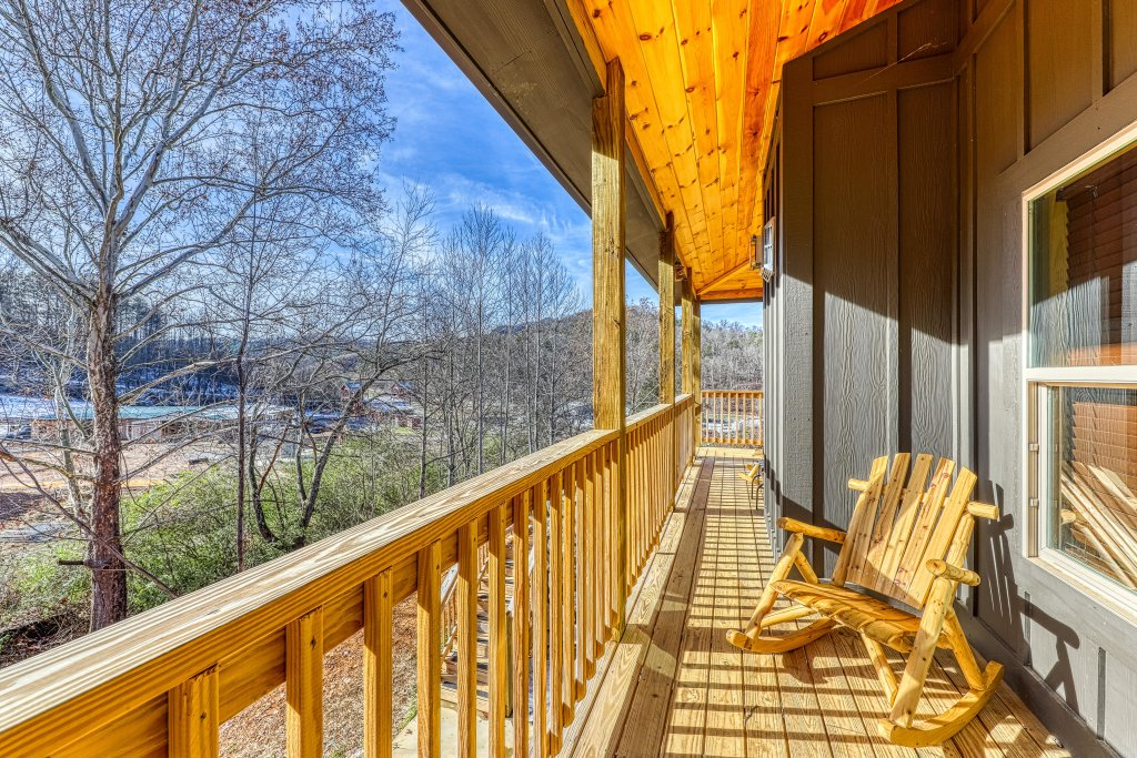 Photo of a Sevierville Cabin named American Adventure - This is the thirty-fourth photo in the set.