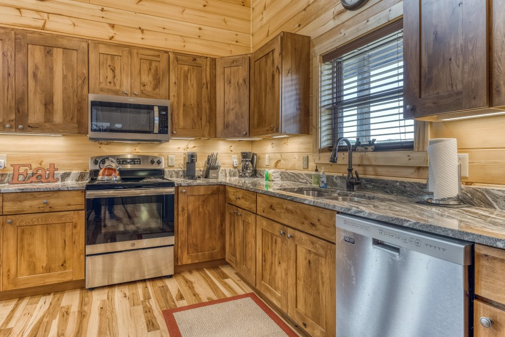 Photo of a Sevierville Cabin named American Adventure - This is the sixth photo in the set.
