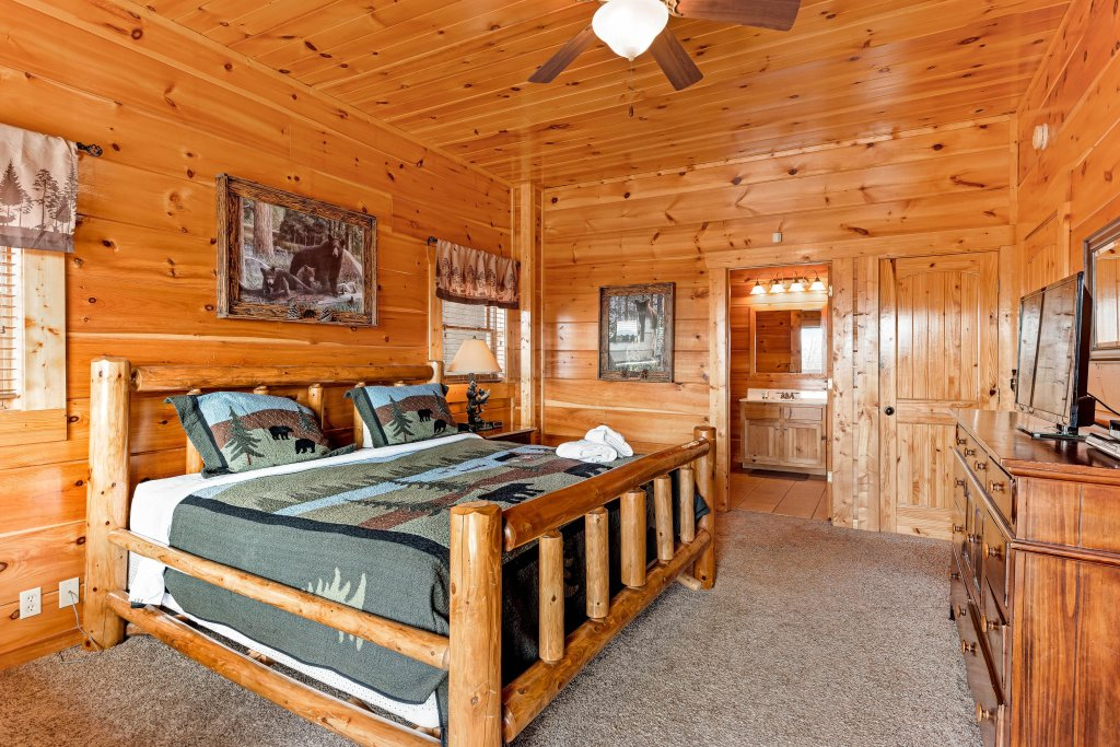 Photo of a Sevierville Cabin named Walkin' On Sunshine - This is the twenty-fifth photo in the set.