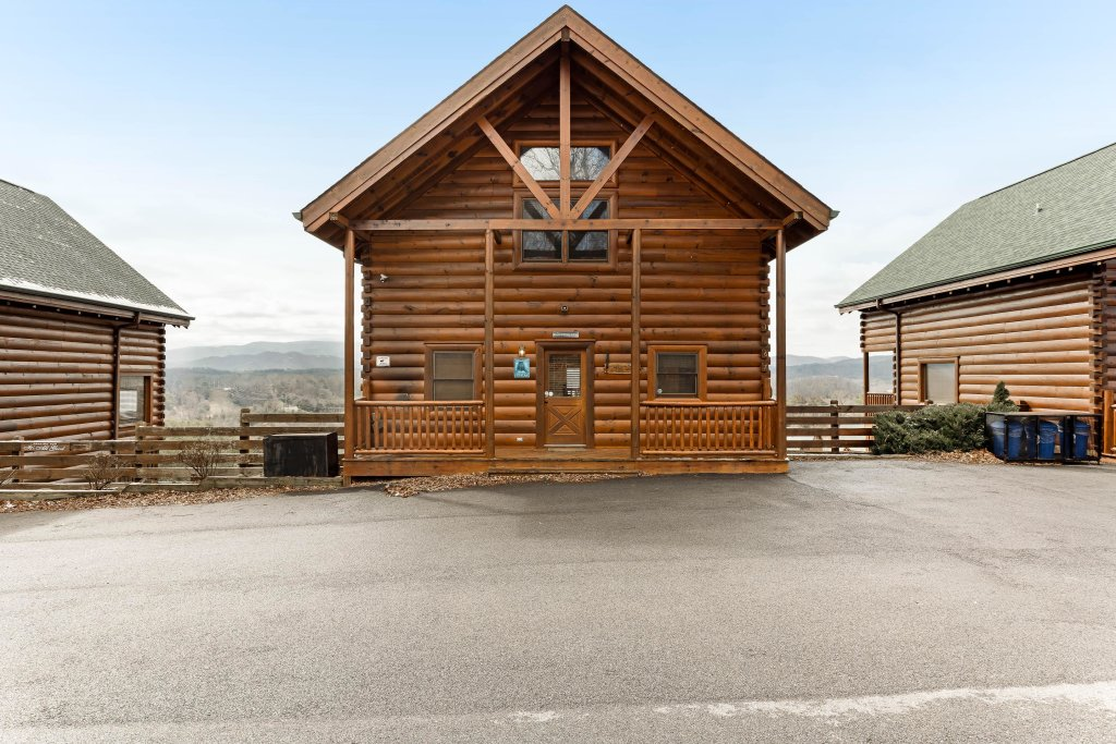 Photo of a Sevierville Cabin named Walkin' On Sunshine - This is the thirty-first photo in the set.