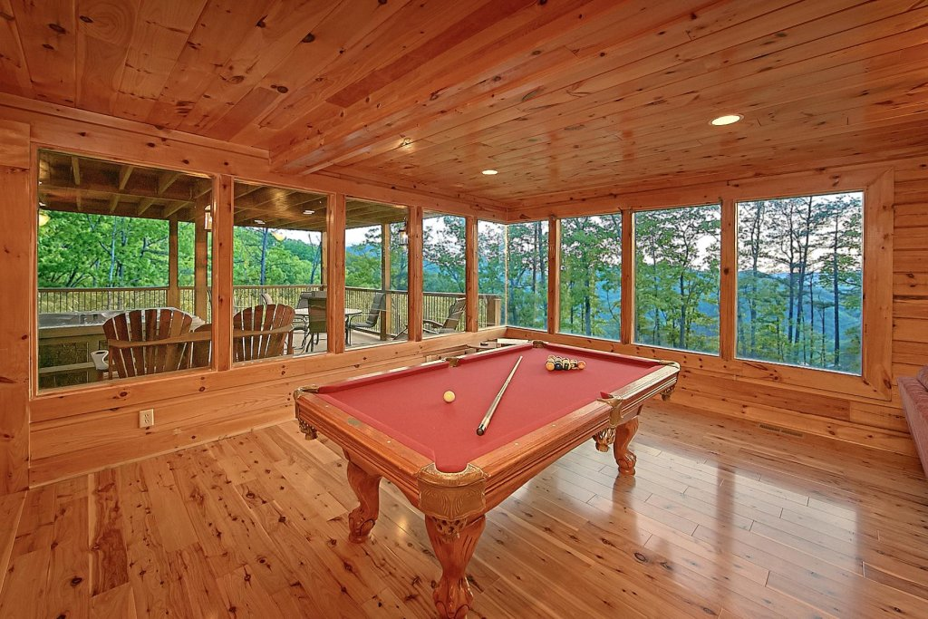 Photo of a Sevierville Cabin named Mountain Magic #73 - This is the twentieth photo in the set.