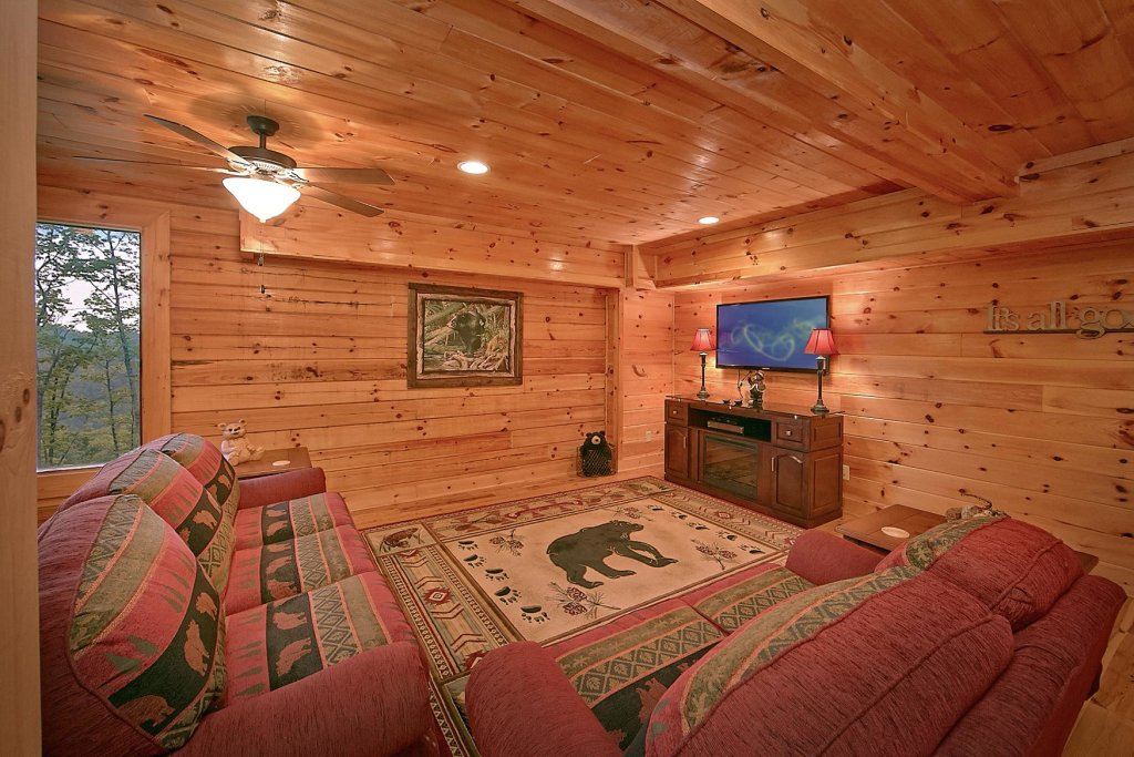 Photo of a Sevierville Cabin named Mountain Magic #73 - This is the seventeenth photo in the set.