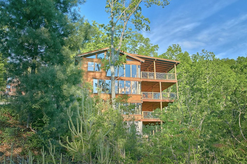Photo of a Sevierville Cabin named Mountain Magic #73 - This is the twenty-third photo in the set.