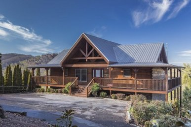 A 4 Bedroom, 5 Bathroom, Luxury Cabin For 10 With 4 King Master Suites.
