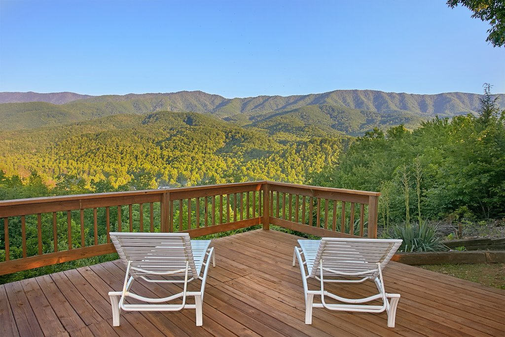 Photo of a Gatlinburg Cabin named Another Day In Paradise - This is the third photo in the set.
