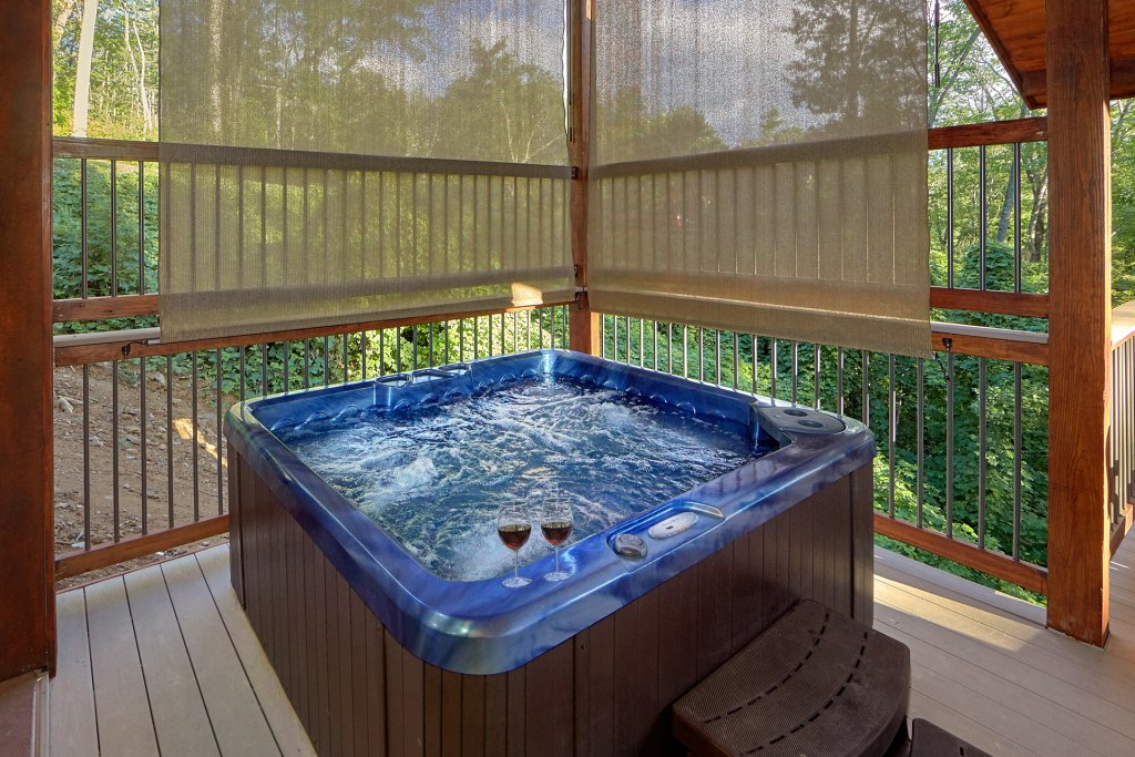 Photo of a Gatlinburg Cabin named Big Sky Lodge - This is the second photo in the set.