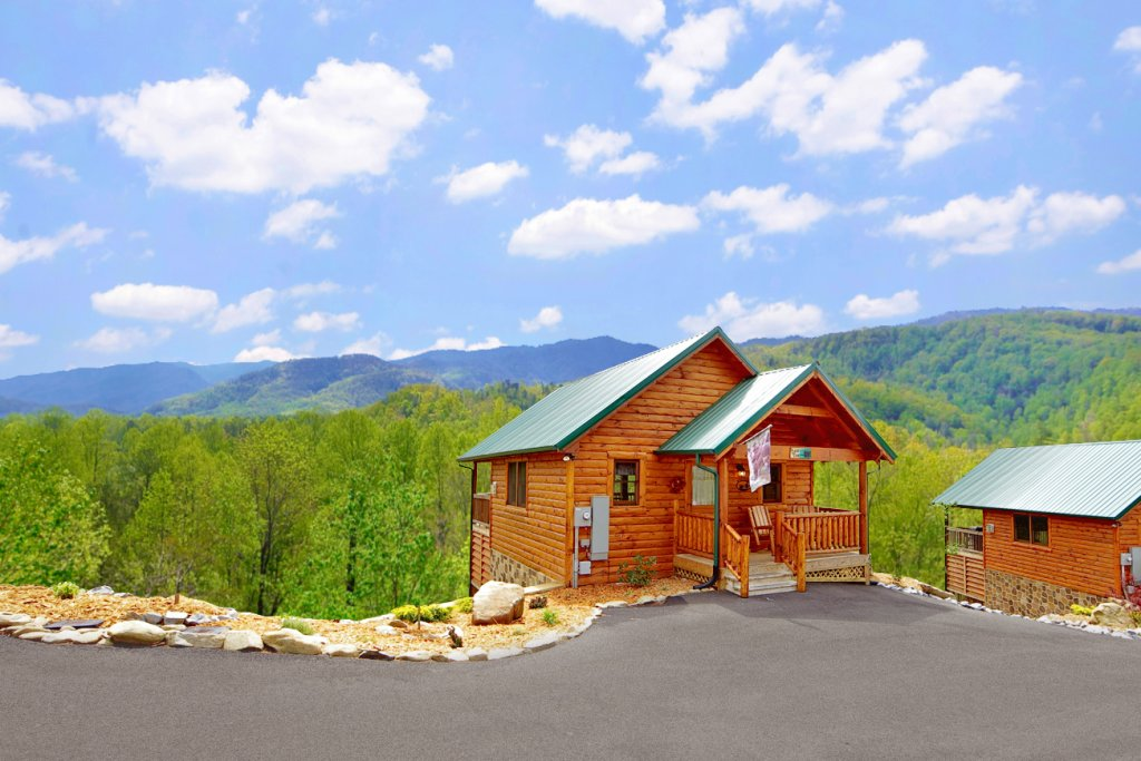 Photo of a Gatlinburg Cabin named Bear Den - This is the forty-sixth photo in the set.