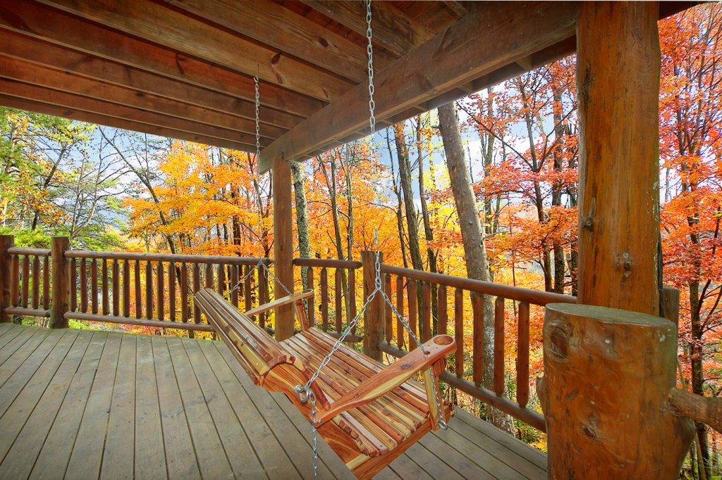 Photo of a Sevierville Cabin named Creekside Hideaway - This is the fourth photo in the set.