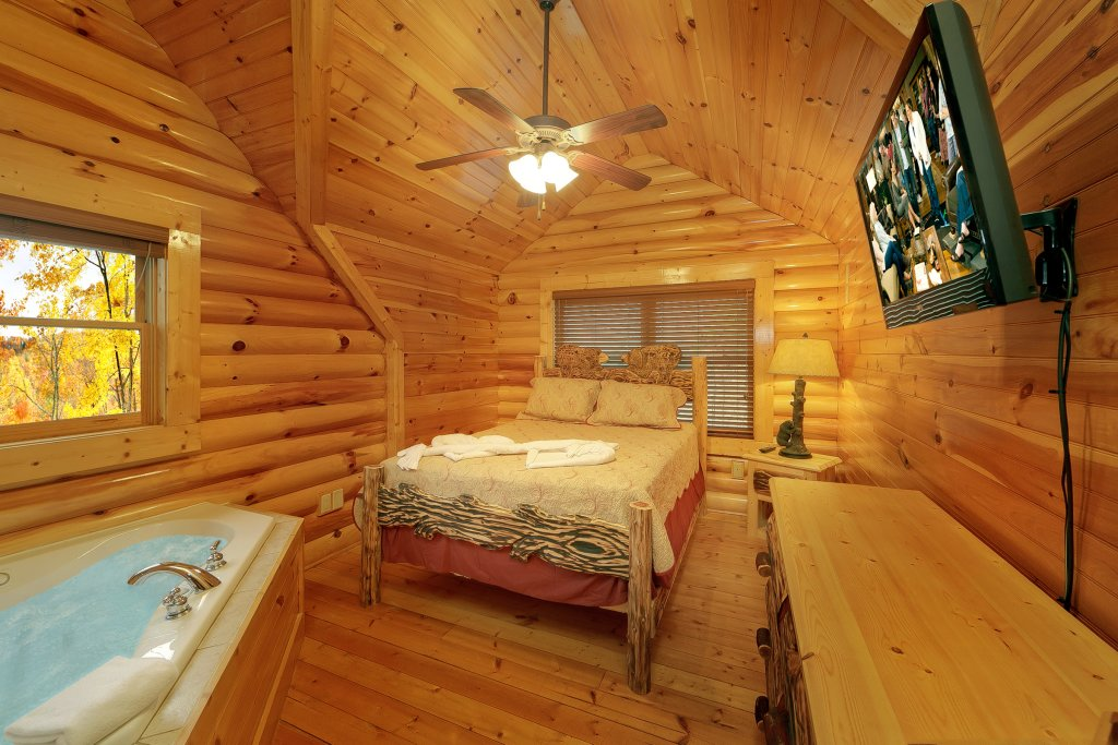 Photo of a Gatlinburg Cabin named Cupids Arrow - This is the twelfth photo in the set.