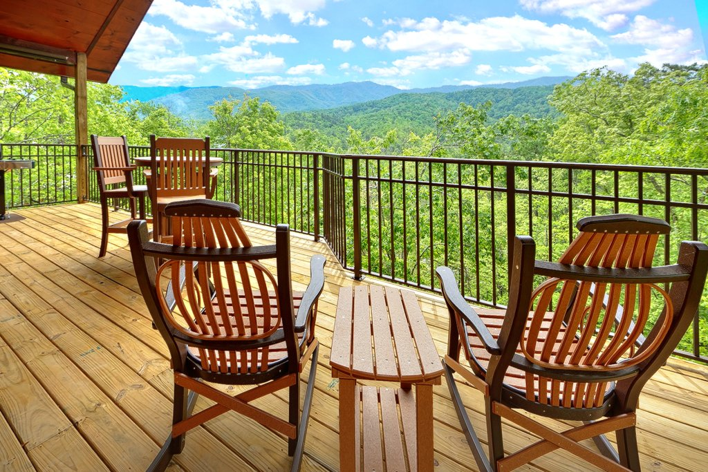 Photo of a Gatlinburg Cabin named Ever After - This is the second photo in the set.